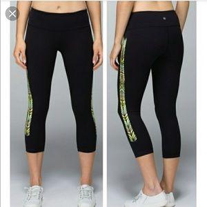Lululemon crop black leggings 6